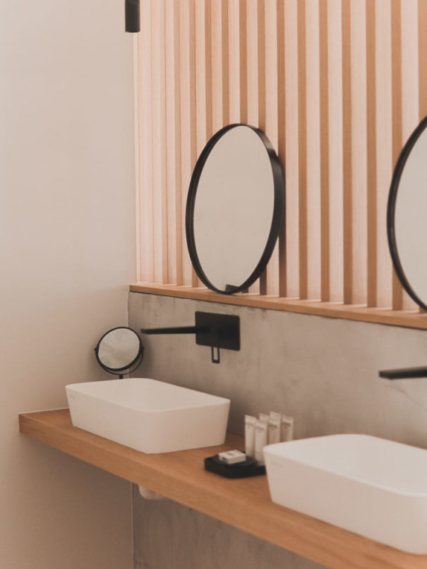 Suite Atmos Hotel - doble lavabo