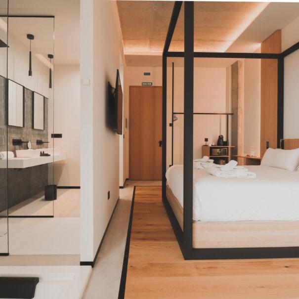 Habitacion-Room-Atmos-Hotel-Outes-Cabecera